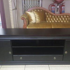 Royal-coffee-table